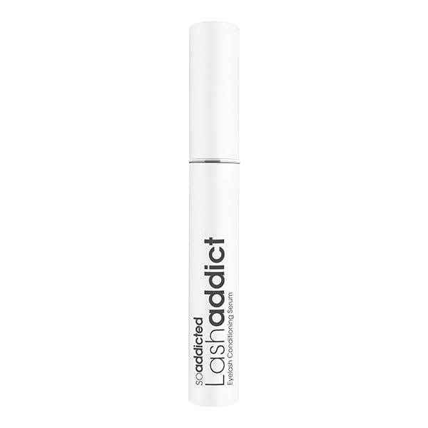 Lashaddict Eyelash Conditioning Serum gir deg full kontroll over vippene dine. Det proprietære Nano-peptidkomplekset, kombinert med en proprietær blanding av næringsstoffer og fuktighetskremer, får vippene dine til å vises lenger, fyldigere, tykkere og sterkere på bare 3 uker.