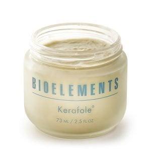Bioelements Corrective Treatment Masks + Exfoliators Kerafole er dyprensende maske og en enzymepeeling. Kerafole inneholder eple- og sitrussyrer som vil løse opp tilstoppede porer og fuktighetgivende alger som mykgjør huden. Kerafole passer for alle hydtyper. Kan prikke litt i noen minutter.